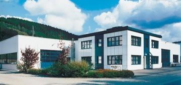 La empresa de construcciones metálicas Poggel apuesta por soluciones individuales y por elumatec