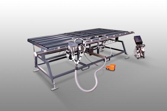Perfis de PVC FAZ 2800/60 Centro de montagem de folhas  Elumatec