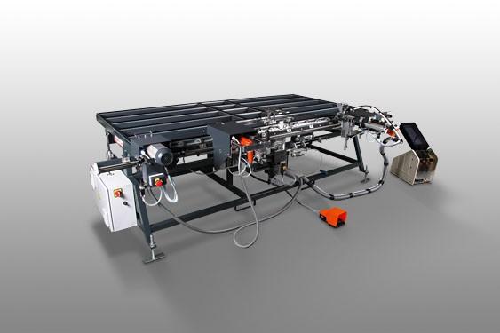 Perfis de PVC FAZ 2800 Centro de montagem de folhas  Elumatec