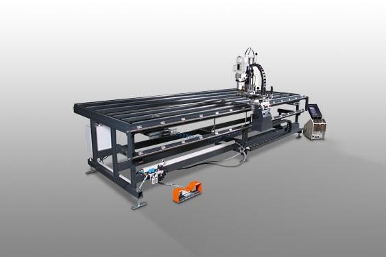 Perfis de PVC RMZ 4000 Centro de montagem de caixilhos  Elumatec