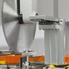 Centres d'usinage de barres SBZ 628 XL Centre d'usinage de barres Groupe de sciage Elumatec
