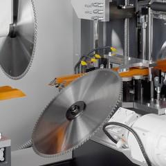 Centres d'usinage de barres SBZ 628 XXL Centre d'usinage de barres Groupe de sciage Elumatec