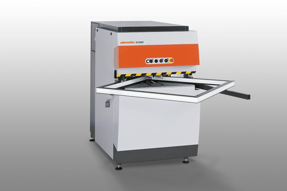 EV 834 - Máquina-limpeza automática para cantos Elumatec